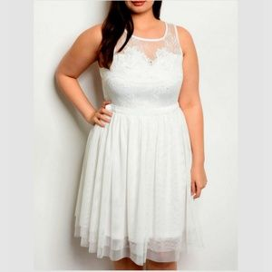 🆕 White PLUS 2X Lacy Fit & Flare Mesh Tulle Dress